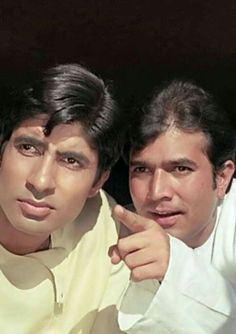 Super Stars* Amit Ji And Rajesh Khanna. Bollywood News In Hindi, Bollywood Cinema, Bollywood Stars, Old Film Stars, Movie Stars, Rajesh Khanna, Joker Heath, Film Icon, Actress Anushka