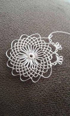 İĞNE OYASI Hairpin Lace Crochet, Crochet Motif, Free Crochet, Knit Crochet, Crochet Patterns, Needle Tatting, Tatting Lace, Needle Lace, Crochet Tools