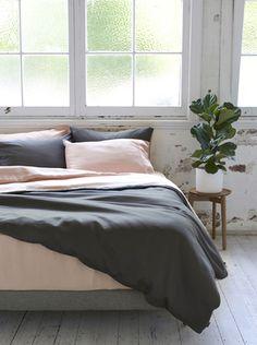 Ettitude Organic Bamboo Lyocell Frankie Colourblock Duvet Cover Set - Cloud Pink and Grey