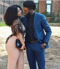 Every one really wants to as happy as they possibly can be with their partner. Have a look at these 33 things couples can do to build and sustain a happier and healthiest relationship. Black Love Couples, Dope Couples, Cute Couples Goals, Happy Couples, Beautiful Couple, Black Is Beautiful, Botas Sexy, Couple Relationship, Relationships