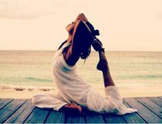 #50exercisereasons  43 Increases pain resistance! #yoga #exercise #beach #sunrise #beachexercise #seaview #sea #seaside #nature #weightloss #health #world #gymnastics  #thefitworldtraveller @fitwrdtraveller
