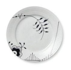 "Black Fluted Mega 7.5"" Dessert Plates"