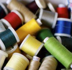 Rêve ta vie en couleur, c'est le secret du bonheur 😊 #colors #sewing #sew #atelier #hautdegamme #work #workshop #dream #passion #happiness #cousumain #madeinfrance