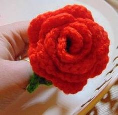 Ravelry: English rose pattern by Cassandra Bolton Free Crochet Rose Pattern, Easy Crochet, Crochet Patterns, Crochet Hats, Crochet Ideas, Patron Saint Of England, British Rose, St Georges Day, African Flowers