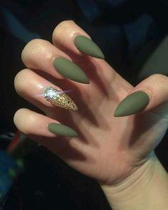 Green plus diamonds....#cute