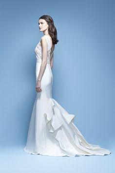 Carolina Herrera Wedding dresses Spring 2016 Bridal Collection | itakeyou.co.uk  #weddings #weddinggown #weddingdress