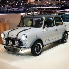 How did the Mini become so iconic? Mini Cooper Classic, Classic Mini, Classic Cars, My Dream Car, Dream Cars, Austin Mini, Mini Morris, Cooper Car, John Cooper
