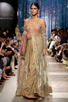 Shiza Hassan Bridal Collection 2019 Online features Pakistani Bridal & Wedding Dresses adorned with Embroidery, Zardozi, Tilla, Gold and Silver Thread Work. Walima Dress, Pakistani Bridal Dresses, Bridal Wedding Dresses, Bridal Collection, Dress Collection, Pakistan Bridal, Pakistan Fashion Week, Indian Couture, Indian Fashion