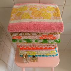 Vintage bath towels... why can't I ever get lucky enough to come across some of these in good shape?