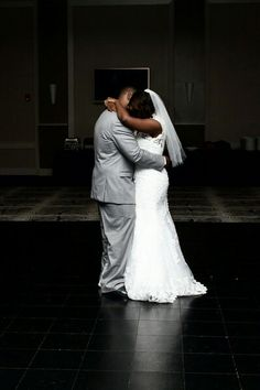 First dance... Esplanade Banquet And Conference Center #wedding Angie&ike Photography
