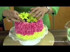 Floral cake!!!! http://stylewithasmile.tv  Jonathan Fong shows you how to make his famous floral cake.