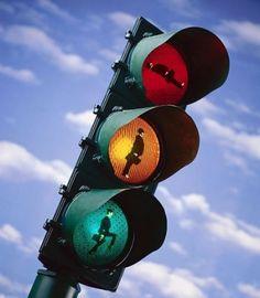 Веселые светофоры в Швейцарии.