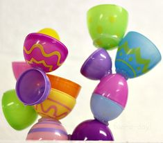 So fun! Easter Art Project for Kids - Egg Sculpture with low heat glue gun.