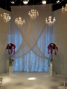 Crystal Chandeliers for Wedding. Wedding Ceremony Backdrop, Ceremony Decorations, Balloon Decorations, Wedding Centerpieces, Prom Backdrops, Piping Design, Pipe And Drape, Crystal Chandeliers, White Home Decor