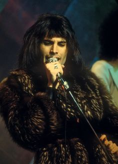 Queen Freddie Mercury Also see #music #screen savers at www.fabuloussavers.com/music.shtml
