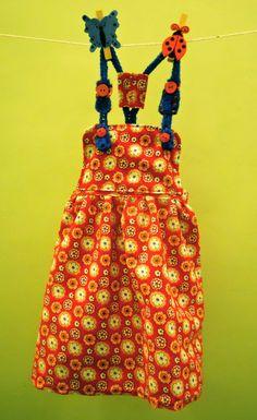Vestido en pana fina y terminaciones en crochet