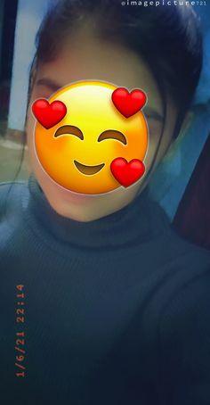 Cute Girl Wallpaper, Sad Wallpaper, Cute Girl Poses, Girl Photo Poses, Disney Aesthetic, Aesthetic Girl, Beautiful Girl Facebook, Self Photography, Lyrics Aesthetic