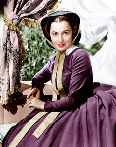 Olivia de Havilland in Gone With the Wind in 1939 - Courtesy Everett Collection Golden Age Of Hollywood, Vintage Hollywood, Classic Hollywood, Rhett Butler, Scarlett O'hara, Olivia De Havilland, Wind Movie, Civil War Movies, Divas
