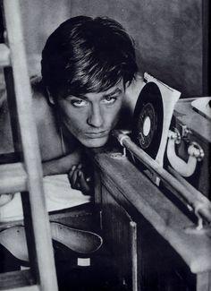 Alain Delon b/w shirtless portrait with vinyl records clipping (minkshmink) Hollywood Actor, Old Hollywood, St Yves, Anouchka Delon, Yves Montand, Francois Truffaut, Jean Luc Godard, Romy Schneider, Actors