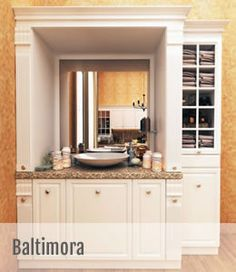 Dintre cele 11 variante de bucatarii clasice pe care Scavolini le ofera, Baltimora este varianta care prezinta noul clasic intr-o locuinta contemporana. Designerii Vuess si M.Pareschi au ales o abordare sofisticata  intr-o bucatarie functionala care face legatura intre fascinatia fata de trecut si conceptul elegant, rafinat si contemporan. Baltimore, Minimalism, Vanity, House Design, Inspiration, Home, Dressing Tables, Biblical Inspiration, Powder Room