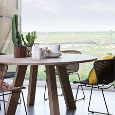 """Designerhome_norge on Instagram: """"✨Nå får du 20% på alle runde spisebord hos oss✨ www.designerhome.no"""" House Near The Sea, Outdoor Furniture Sets, Outdoor Decor, Dining Table, Inspiration, Xl, Instagram, Home Decor, Holiday"""