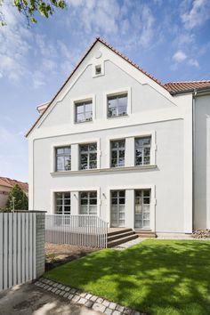 archiweb.cz - Baugruppe Facade, Studios, Garage Doors, Outdoor Decor, House, Home Decor, Group, Decoration Home, Home