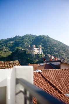 Property for sale in Liguria, Imperia, Dolceacqua, Italy - Near the parking, shops and the typical restaurants, Ligurian house renovated of 110 sqm overlooking the castle of Dolceacqua.- http://www.italianhousesforsale.com/view/property-italy/liguria/imperia/dolceacqua/2782826.html