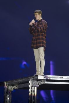November HQ photos of Justin performing at the Barclaycard Center in Madrid, Spain. Justin Bieber Baby, Justin Bieber Style, Justin Bieber News, Justin Bieber Wallpaper, Justin Bieber Pictures, Justin Love, Justin Hailey, Cowgirl Style Outfits, Chill Style