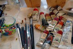 tube de peinture, huile, pinceau, bonbon