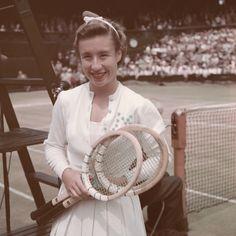 Tennis Uniforms, Sports Uniforms, Sport Chic, Sport Girl, Celebrity Closets, Celebrity Style, Mode Tennis, American Tennis Players, Tennis Fashion