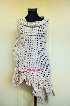 Triangle throw Wedding Shawl Off white Trianglе by DoroGato