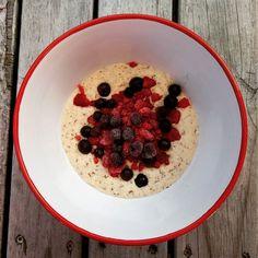 Coconut porridge with berries  #10weekchallengenz
