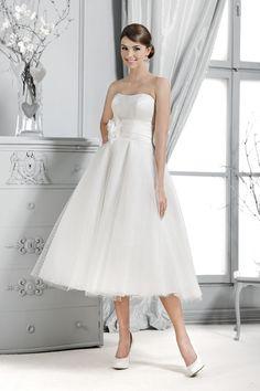 Brautkleid aus der Agnes by Mode de Pol Kollektion 2015 :: bridal dress from the 2015 Agnes collection by Mode de Pol.