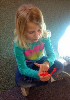 Pursuit of Joyfulness: Monday Music Manipulatives - vocal exploration with pipe cleaners