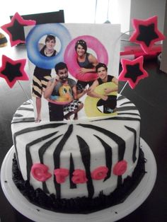I want this cake for my birthday!!!