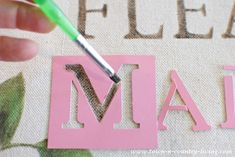 How to Stencil a Canvas Bag ~ Flea Market Style - Town & Country Living Diy Craft Projects, Craft Tutorials, Fun Crafts, Diy And Crafts, Projects To Try, Arts And Crafts, Paper Crafts, Craft Ideas, Canvas Letters