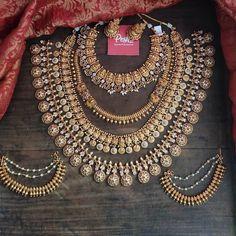 South Indian Bridal Jewellery, Indian Jewelry Sets, Indian Wedding Jewelry, Wedding Jewelry Sets, Bridal Jewellery Collections, Marriage Jewellery Set, Fancy Jewellery, Gold Jewellery Design, Temple Jewellery