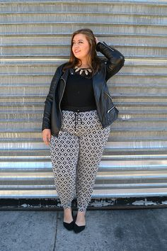 Step outside of your comfort zone. Our personal stylists will help you find the perfect outfit. Style your curves at Dia&Co. Pear Fashion, Diva Fashion, Curvy Fashion, Plus Size Fashion, Fashion Design, Curvy Outfits, Plus Size Outfits, Cool Outfits, Plus Size Womens Clothing
