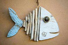 Wooden Fish, Wooden Art, Wooden Crafts, Driftwood Fish, Driftwood Sculpture, Fish Crafts, Beach Crafts, Deco Marine, Driftwood Projects
