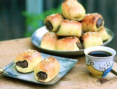 Coffee with some date rolls-2