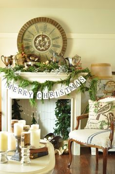 Jennifer Rizzo holiday decor. She hots the biggest holiday housewalk on the web!