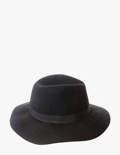 47 meilleures images du tableau Chapeaux Tuques Casquettes ... fca040b0fd9