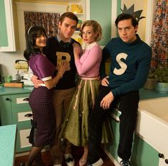 AHHHH THIS IS WHAT THE CAST WOULD LOOK LIKE ACCORDING TO ARCHIE  COMICS OMGGG