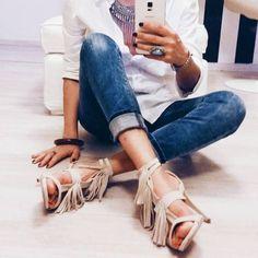 Have a great night! (via: @annaegiaz) #SanteBloggersSpot Shop NOW: www.santeshoes.com