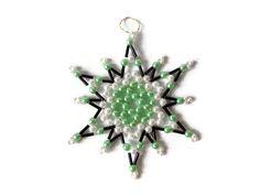 seed bead star christmas ornament in black par Kreativprodukte