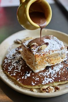 The ultimate guide to the best breakfast and brunch in Austin! Featuring 20 different restaurants that serve up the absolute best early bites in town. Breakfast And Brunch, Best Breakfast In Austin, Austin Brunch, Dallas Brunch, Homemade Pancakes Fluffy, Tasty Pancakes, Hot Chocolate Sauce, Mexican Hot Chocolate, Brunch Places
