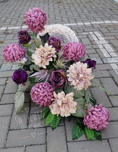 Flowers Perennials, Floral Arrangements, Floral Wreath, Wreaths, Decor, Board, All Saints Day, Decoration, Flower Arrangements