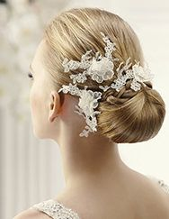 Pronovias presents its T15-2525 (3) bridal headdress. | Pronovias