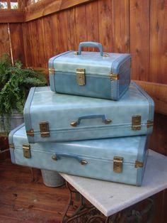 FABULOUS 1960s ERA 3 PIECE MATCHING SKY BLUE LUGGAGE SUITCASE SET with TRAIN CASE