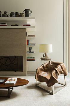 Galeria de OM Townhouse / Studio Arthur Casas - 17 Home Design, Best Interior, Interior And Exterior, Master Suite, Manhattan, Studio Arthur Casas, New York Townhouse, Cool Chairs, Luxury Apartments